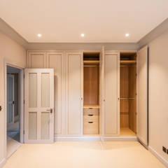 Bedroom by Prestige Architects By Marco Braghiroli,