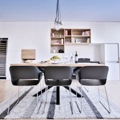Comedor estilo industrial: Salones de estilo  de Isabel Gomez Interiors