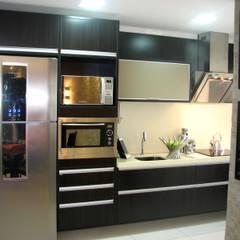 PR Haus:  Küchenzeile von ML Architecture | Interior Design