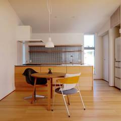 津幡の家Ⅱ: 有限会社建築計画が手掛けたダイニングです。