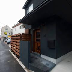 Casas de estilo  por 森村厚建築設計事務所