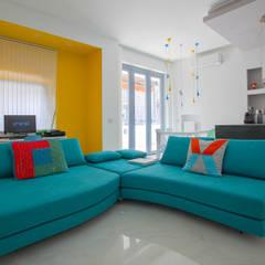 Ristrutturazione appartamento 45mq Milano: Soggiorno in stile in stile Moderno di Ristrutturazione Case