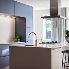 Ontwerp fris en eigentijds interieur:  Keuken door Bob Romijnders Architectuur & Interieur