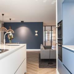 مطبخ تنفيذ Bob Romijnders Architectuur & Interieur, إسكندينافي