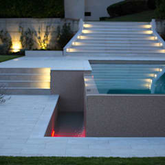 modern Pool by Marche Piscine