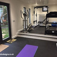 Garden room to be used as a home gym: modern Gym by apodo designs