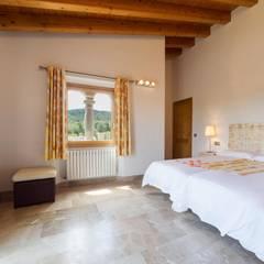 Dormitorio 1: Dormitorios de estilo  de Diego Cuttone - Arquitecto