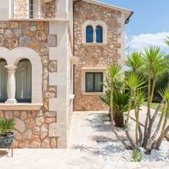 Fachada: Casas rurales de estilo  de Diego Cuttone - Arquitecto