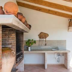 Zona barbacoa: Terrazas de estilo  de Diego Cuttone - Arquitecto
