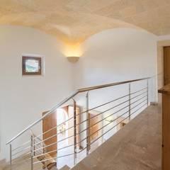 pasillo: Pasillos y vestíbulos de estilo  de Diego Cuttone - Arquitecto