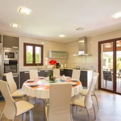Comedor - salón: Comedores de estilo mediterráneo de Diego Cuttone - Arquitecto