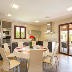 Dining room by Diego Cuttone, arquitectos en Mallorca