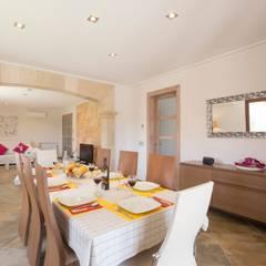 Comedor principal: Comedores de estilo mediterráneo de Diego Cuttone - Arquitecto