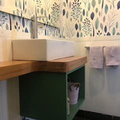 Vista General  mueble lavamanos, papel mural: Baños de estilo moderno por Moon Design