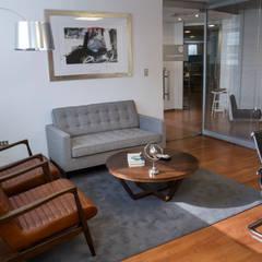 Vista General Oficina Gerente: Oficinas y Comercios de estilo  por Moon Design