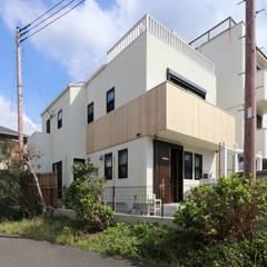 Rumah tinggal  by 菅原浩太建築設計事務所
