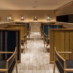 「写し茶室」: 株式会社KAMITOPEN一級建築士事務所が手掛けたリゾートハウスです。