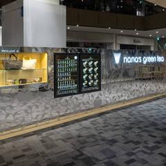 「屏風」: 株式会社KAMITOPEN一級建築士事務所が手掛けたレストランです。