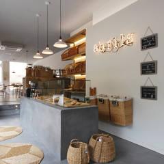 Restaurantes de estilo  por Abrils Studio