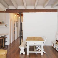 Ruang Makan by Abrils Studio