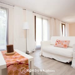 Home staging Salon: Salon de style  par KOKOUNA