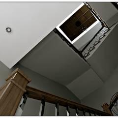 ALİSSİ TASARIM STÜDYOSU – KES / VİLLA:  tarz Merdivenler