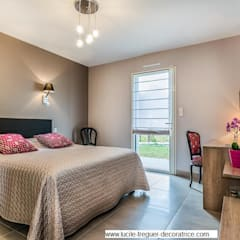 Décoration et agencement d'une chambre d'hôte dans une maison neuve. : Chambre de style de style Moderne par  Lucile Tréguer, décoratrice d'intérieur