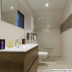 Rénovation d'une salle-de-bains pour une personne âgée.: Salle de bains de style  par  Lucile Tréguer, décoratrice d'intérieur