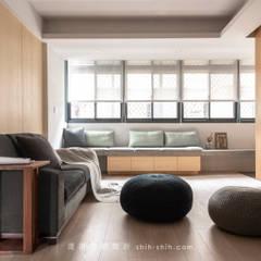 湜湜空間設計:  tarz Oturma Odası