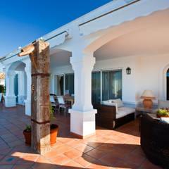 Chalet en Arcos Garden (Cádiz): Terrazas de estilo  de Idearte Marta Montoya