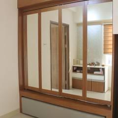 ประตูกระจก โดย POWL Studio, โมเดิร์น