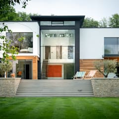 Dormers Henley:  Multi-Family house by IQ Glass UK