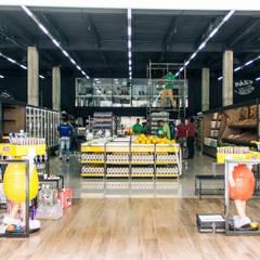Supermercados Superbom: Espaços comerciais  por 285 arquitetura e urbanismo