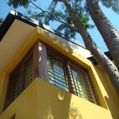 Casa LF - Exterior 6: Ventanas de estilo  por Módulo 3 arquitectura