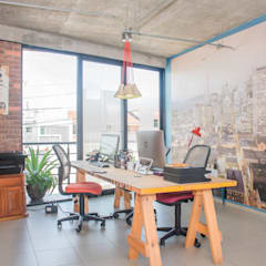 Industrial style offices & stores by Constructora e Inmobiliaria Catarsis Industrial Bricks