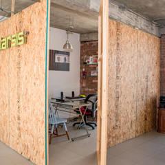 Oficina Orizaba: Oficinas y tiendas de estilo  por Constructora e Inmobiliaria Catarsis