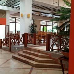 Corridor & hallway by Artekpro