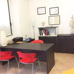 Studio: Cliniche in stile  di Daniele Piazzola architetto