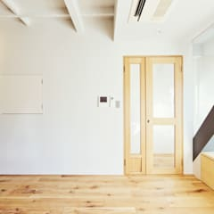 F邸: TRANSFORM  株式会社シーエーティが手掛けたドアです。,オリジナル