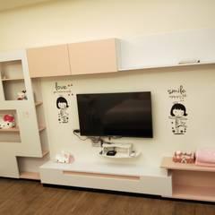 Fun風民宿室內設計設計施工完成照片 :  商業空間 by 頂尖室內設計工程行