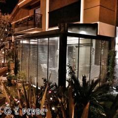ege perde – Ahşap Jaluzi İç Cephe Gölgelendirme Perde Sistemleri: modern tarz Kış Bahçesi