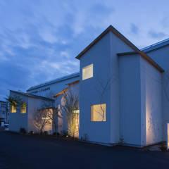 Clinic NK: 1-1 Architects 一級建築士事務所が手掛けた医療機関です。,モダン