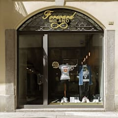 Welcome: Negozi & Locali commerciali in stile  di RcK Rationality