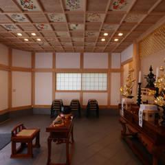 正法寺: 菅原浩太建築設計事務所が手掛けた商業空間です。