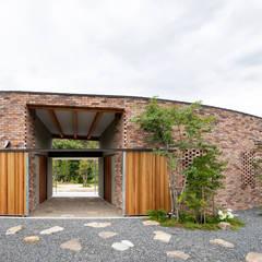 堺の家:  井上久実設計室が手掛けた木造住宅です。,モダン レンガ