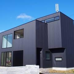 中庭の家: RAI一級建築士事務所が手掛けた一戸建て住宅です。