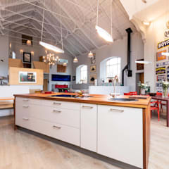 Kitchen:  Kitchen by dwell design