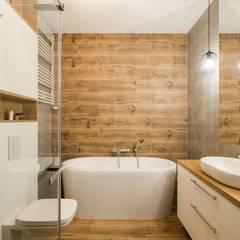 modern Bathroom by GACKOWSKA DESIGN