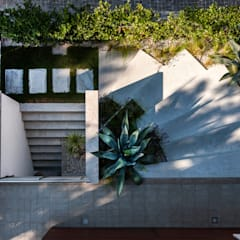 Casa MM: Casa unifamiliare in stile  di Elia Falaschi Photographer