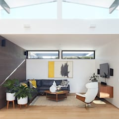 Los Altos New Residence By Klopf Architecture: modern Living room by Klopf Architecture